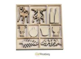 CE811500/0191- 50 stuks houten ornamentjes in een doosje romantic wine 10.5x10.5cm