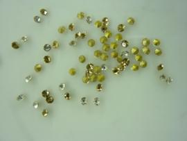 000569-A- 50 x strass steentjes met punt achterkant SS6-2mm goud