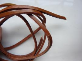 1 meter platte leren veter 3 mm. middenbruin