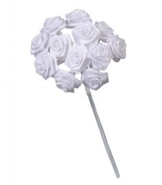 6547 001- 12 stuks roosjes van 10cm lang en 1.5cm breed wit