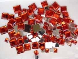 2282 020- 110 x kunststof strass stenen assortiment vierkanten van 6/10/12mm rood