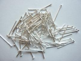 ruim 100 stuks nietstiften 18mm zilver