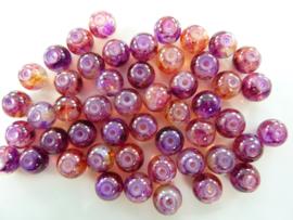 625 - Ruim 50 stuks glaskralen van 8 mm. gemarmerd donker rood/lila
