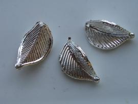 6388- zilveren blaadje voor broche 3.5x2cm