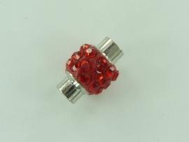 CH.1035 rood- magneetsluiting van 14x10mm rood met strass steentjes