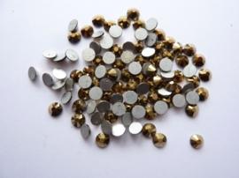 000594- ruim 100 kristalsteentjes SS20 4.7mm aurum gold - SUPERLAGE PRIJS!