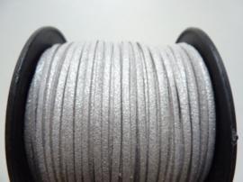 3 meter imitatie suede veter van 3mm breed zilvergrijs met glitter