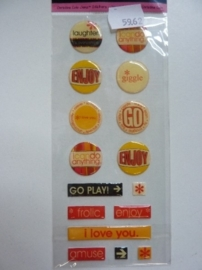 5962- Provocraft stand-outs epoxy stickers zelfklevende buttons 21x8cm OPRUIMING