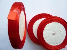 rol met 22.86 meter rood satijnlint van 10mm breed OPRUIMING