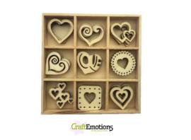 CE811500/0234- 45 stuks houten ornamentjes in een doosje hartjes 10.5x10.5cm