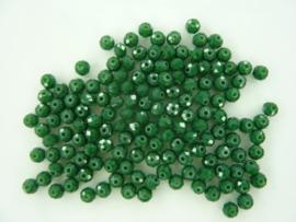 3972- ca. 145 stuks facet geslepen glaskralen 4x3mm donkergroen