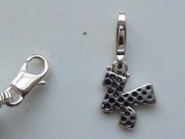 117467/1211- zwaar verzilverde metalen letter bedel K