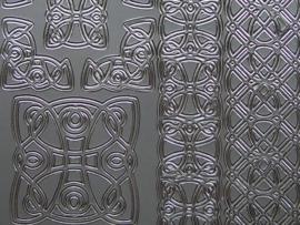 473- brede rand ornament en hoekjes zilver