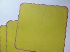 004018- 3 x scrapbook stansvellen 30.5x30.5cm l.groen/cerise gestanst OPRUIMING
