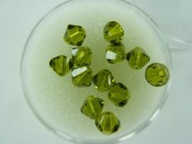 2207 848- 12 stuks swarovski kralen toupille olivine 6mm in een doosje OPRUIMING