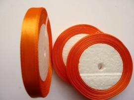 rol met 22.86 meter donker oranje satijnlint van 10mm breed - SUPERLAGE PRIJS!