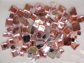 2282 027- 110 x kunststof strass stenen assortiment vierkanten van 6/10/12mm roze