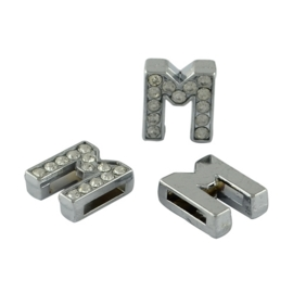 letter M - leerschuiver met strass steentjes zilver 13mm