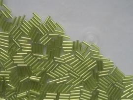1585- 7mm glazen stiftjes licht groen 15gr