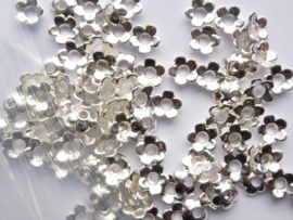 6.5mm zwaar metalen kralenkapjes 100 stuks zilver - CH.021