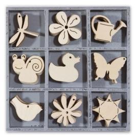 1852 1101- box met 45 stuks houten ornamentjes bloemen & dieren 10.5x10.5cm