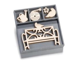1852 1034- box met 20 stuks houten ornamentjes tuinbank 10.5x10.5cm