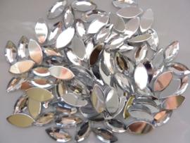 ca. 80 stuks kunststof strass steentjes spits ovaal 7x15mm zilver