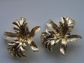 6381- gouden bloem voor broche 4 cm