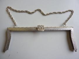 61- tasbeugel met ketting  23.5 cm zilverkleur