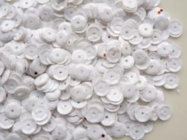 10 gram pailletten van 6mm facon geribbeld gebroken wit (grote hoeveelheid) SUPERLAGE PRIJS!