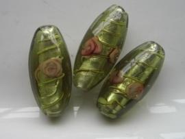 4859- grote glaskraal met bloem ovaal 28x13mm