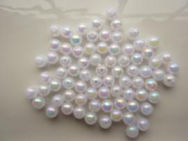 117474/0029- ruim 70 stuks kunststof parels van 6mm wit AB coating OPRUIMING