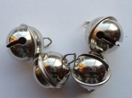 8605 556- 4 stuks kattenbelletjes 24mm staalkleur - hard rinkel geluid.  AA