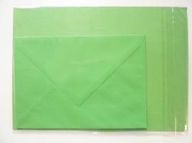 008211- 3 x A4 formaat kaarten gerild + 3 x enveloppen A5 formaat groen OPRUIMING -50%