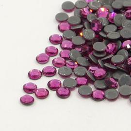 000624- 50 stuks hotfix crystal steentjes SS30 6.4mm ruby
