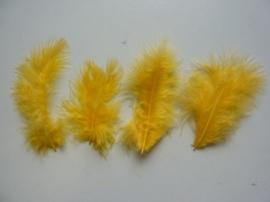 CE800804/2811- 15 stuks Marabou veren geel van 7 tot 14cm