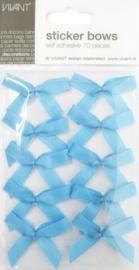 589910/0045- 10 stuks strikjes zelfklevend 5x4.5cm babyblauw