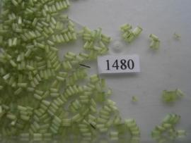 1480- 4.7mm glazen stiftjes satijn licht groen 15gr