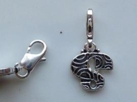 117467/1219- zwaar verzilverde metalen letter bedel S