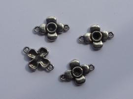 0000808- 4 stuks metalen tussenstukjes met 2 ogen 17x12mm OPRUIMING