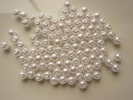 2140- ruim 100 stuks kunststof parels van 6mm wit - SUPERLAGE PRIJS!