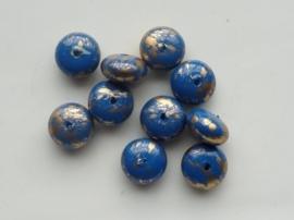 0032- 10 x kunststof kralen blauw met goud flame 10x6mm OPRUIMING