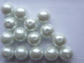 15 x ronde glasparels 12mm ijswit - 2277 speciale prijs zolang de vooraad strekt!