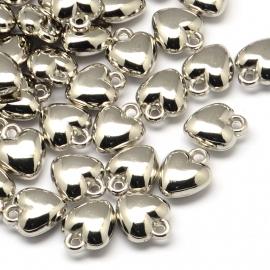 NA.06- 15 stuks licht metalen bedels hartjes 12x10mm zilverkleur