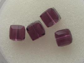 109316/0390- 4 x swarovski cube 6x6mm amethyst