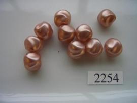 10 stuks glasparels `gedeukt` 12,5x13mm 2254