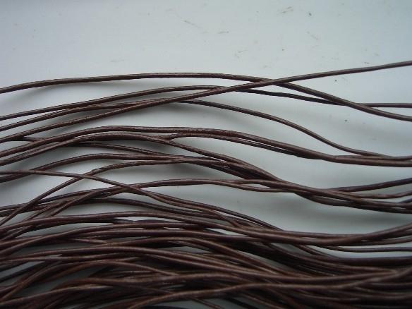 5 meter echt leren veter donkerbruin van 1.5mm dik - AA kwaliteit - SUPERLAGE PRIJS!