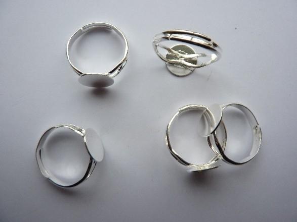5 stuks verstelbare ringen met lijmplaatje van 10mm verzilverd- SUPERLAGE PRIJS!