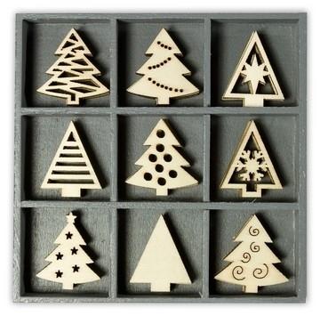 1852 1021- box met 45 stuks houten ornamentjes kerstbomen 10.5x10.5cm