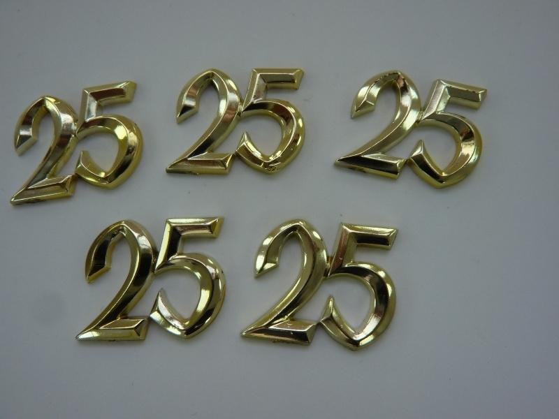 SLK.115- 5 stuks sierletters 25 goudkleur 15mm hoog